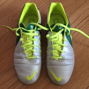 Nike CTR 360 shoes